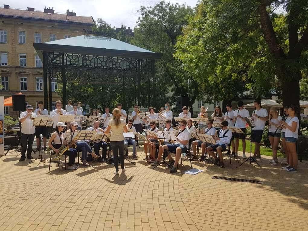 Big Band Fahrt ungarischer Art