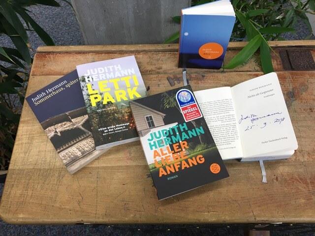 Grüße aus der Bibliothek: Unser Februar-Lesetisch zu Judith Hermann