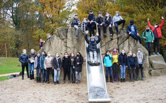 Biologieunterricht im Hardter Wald